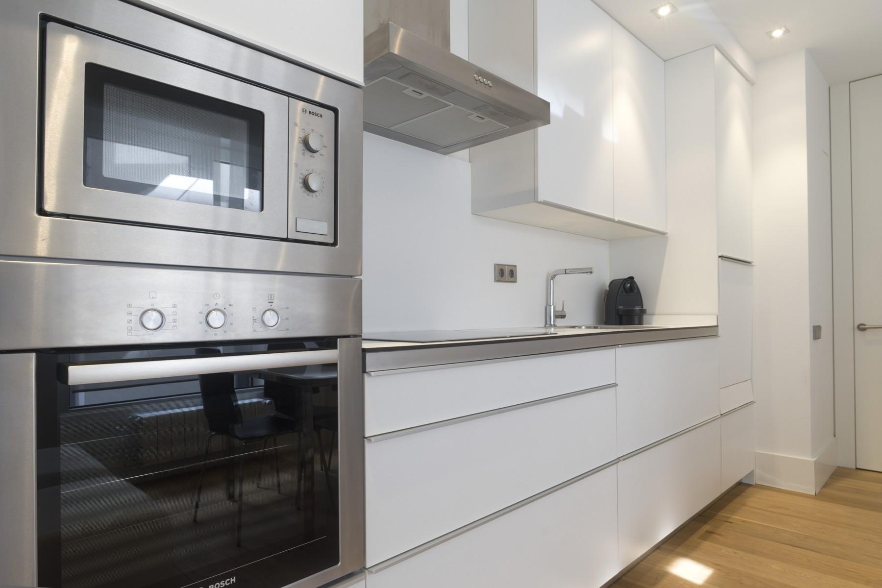 Apartments in San Sebastián - Avenida Suite La Concha